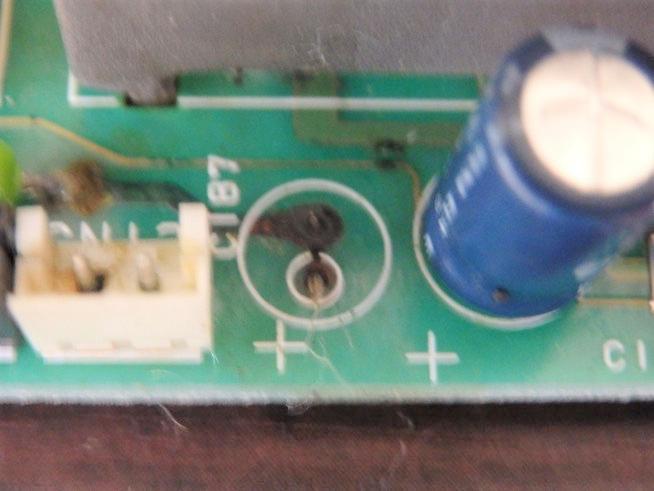 電解コンデンサーの交換